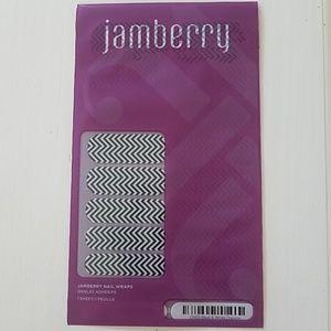 Jamberry Nail Wraps in Black and White Chveron